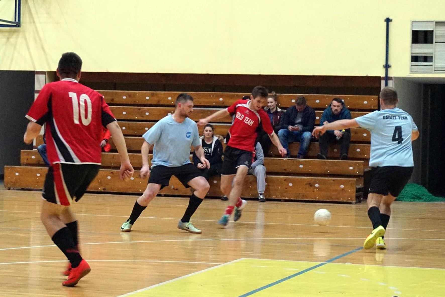 Nowosądecka Liga Futsalu. Walka o fotel lidera trwa