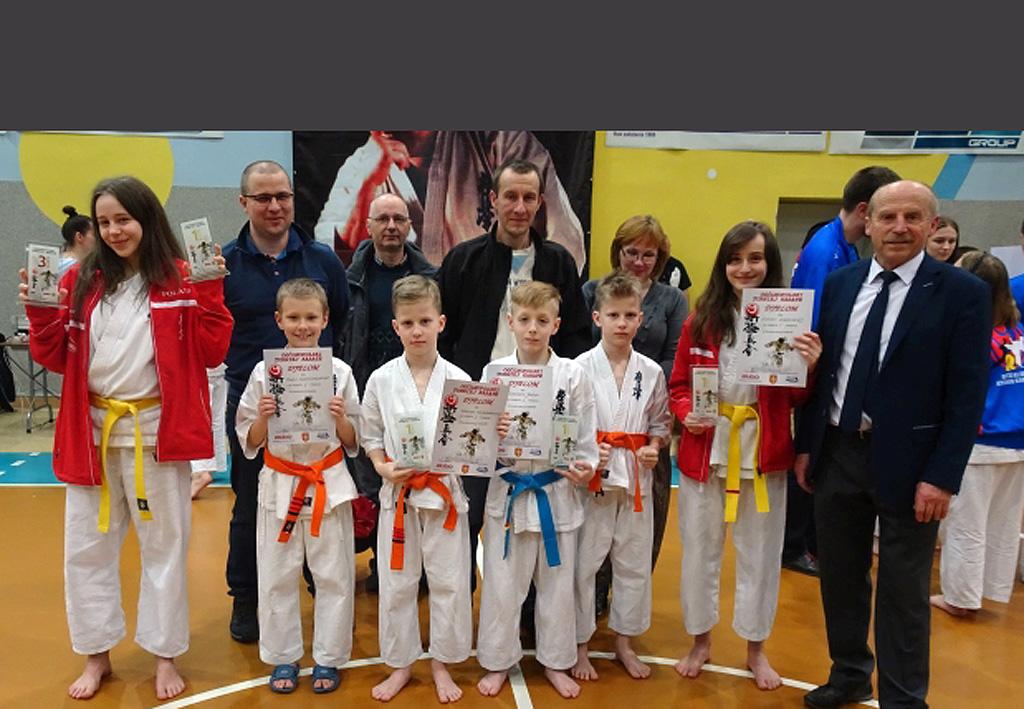 Cztery złota sądeckich karateków